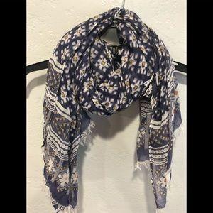 Chan LUU scarfs